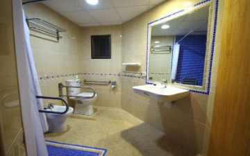 Marina Apartments Palmanova handicapped access toilet